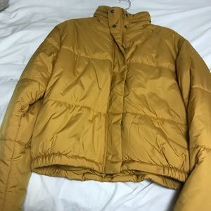 Super cozy and warm puffer jacket. Never worn